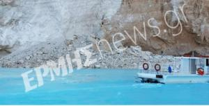 Ζάκυνθος: Πανικός στο Ναυάγιο – Αποκολλήθηκε βράχος – Τραυματίστηκε τουρίστρια