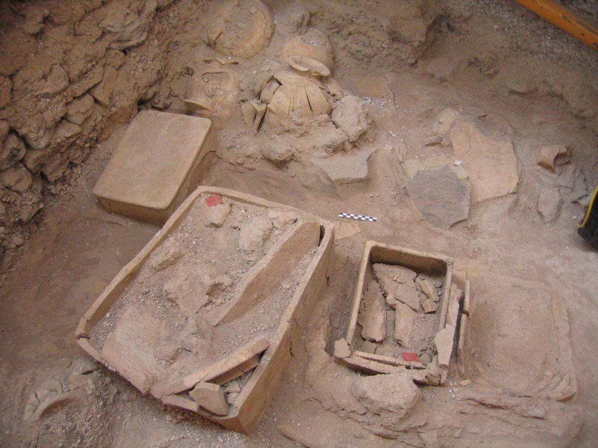 AΦΩΝΟΙ ΟΛΟΙ ΣΤΗ ΣΑΝΤΟΡΙΝΗ! Στο φως νέοι αρχαιολογικοί θησαυροί...
