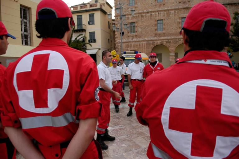 «Φταίνε οι προηγούμενοι» απαντάει ο Ελληνικός Ερυθρός Σταυρός στην φήμη περί αποβολής του από τη Διεθνή Ομοσπονδία | Newsit.gr
