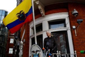 Ψάχνουν για επικοινωνίες συμβούλου του Τραμπ με το WikiLeaks