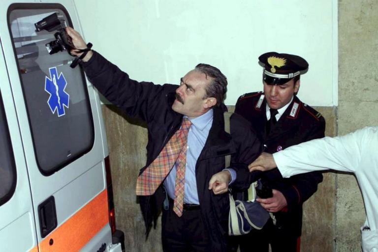 Ρίνο Μπαριλάρι: Ο «βασιλιάς των παπαράτσι» | Newsit.gr
