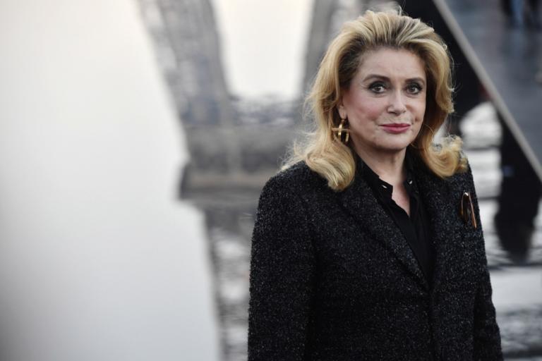 Η Κατρίν Ντενέβ στον πιο κόντρα ρόλο της ζωής της | Newsit.gr