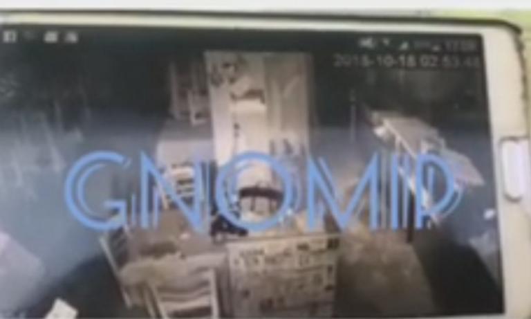 Πάτρα: Δεν έπιασαν τον κλέφτη και… ξαναχτύπησε το ίδιο μαγαζί! – video | Newsit.gr