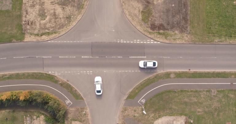 Δείτε την τεχνολογία που θα καταργήσει τα φανάρια από τους δρόμους! [vid] | Newsit.gr