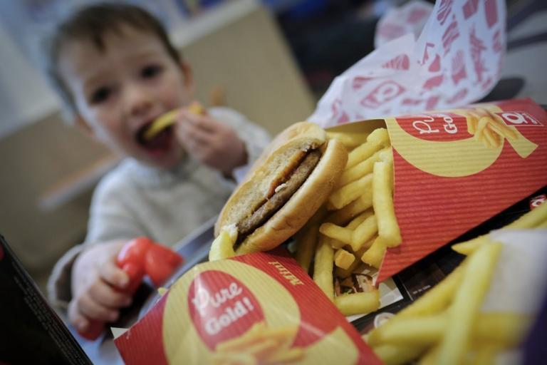 Fast food: Η συνήθεια που έγινε λατρεία στην Αμερική