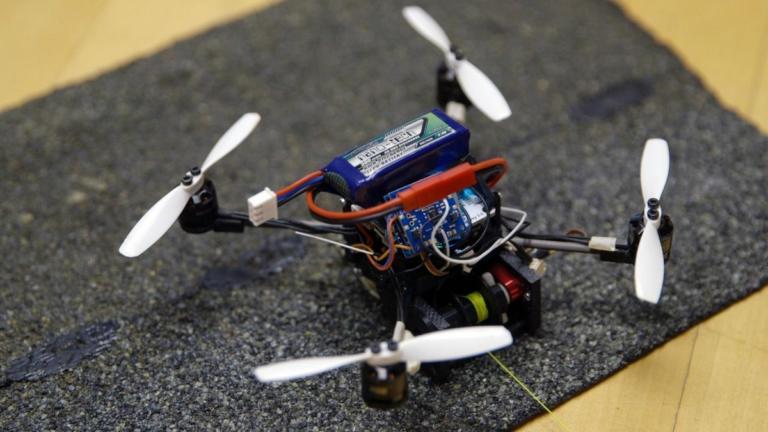 Ένα drone για την παλάμη σου! Τα κάνει όλα και συμφέρει [video] | Newsit.gr
