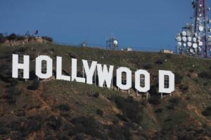 Σταρ του Hollywood καλούν τους Αμερικανούς να πάνε να ψηφίσουν στις εκλογές κατά του Τραμπ!