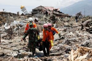 Σεισμός στην Ινδονησία: Σταματούν τις έρευνες για επιζώντες – 5.000 αγνοούμενοι, 2.045 νεκροί