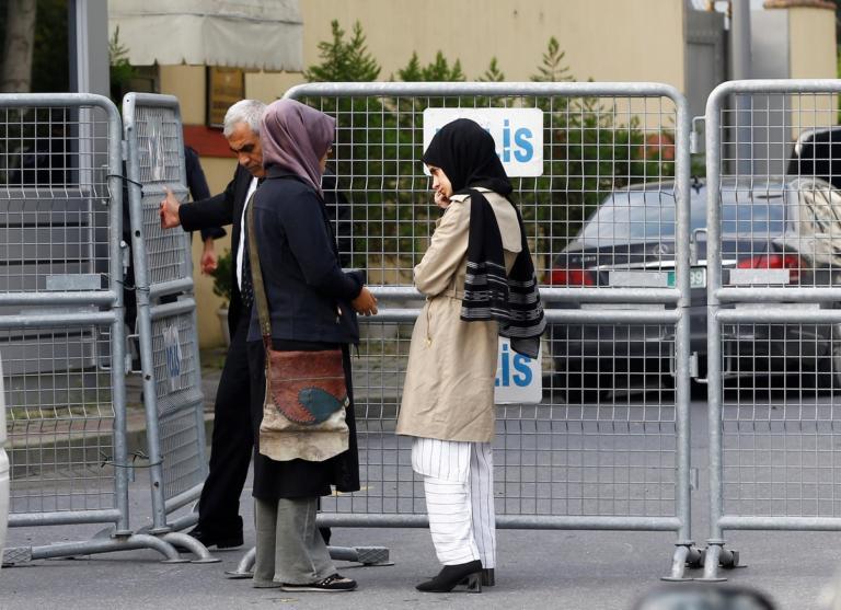 Δολοφονία Κασόγκι: Φυλάνε νύχτα μέρα τη μνηστή του | Newsit.gr