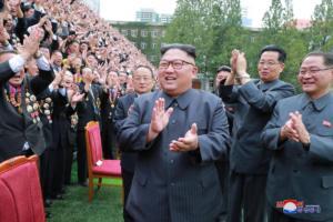 Βόρεια και Νότια Κορέα έδωσαν τα χέρια – Απομακρύνουν 11 φυλάκια