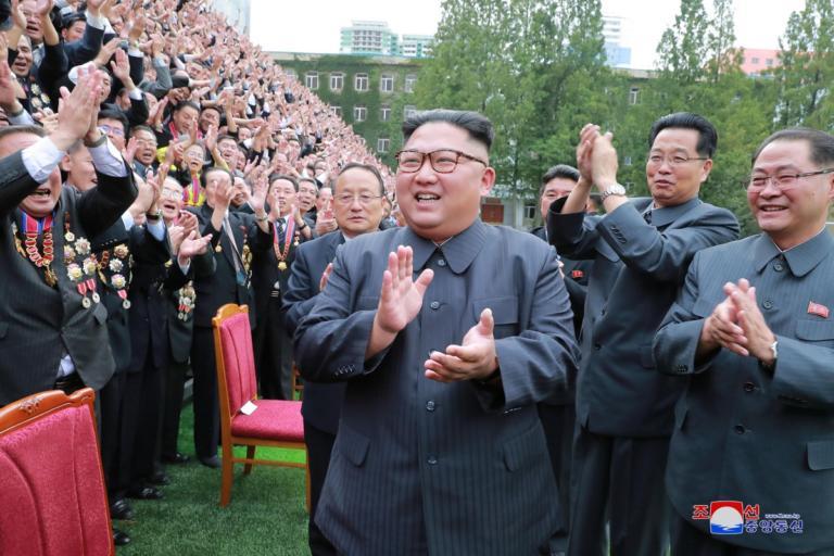 Βόρεια και Νότια Κορέα έδωσαν τα χέρια – Απομακρύνουν 11 φυλάκια | Newsit.gr