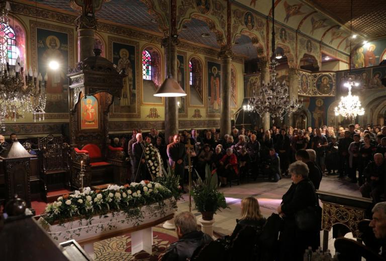 Μαρίνοβα: Ρίγη συγκίνησης στο τελευταίο αντίο – Αρνείται τον βιασμό ο δράστης [pics] | Newsit.gr