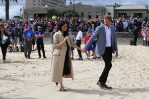 Μέγκαν Μαρκλ – Πρίγκιπας Χάρι: Ψητό καγκουρό, δώρα και στο βάθος το νέο πριγκιπόπουλο
