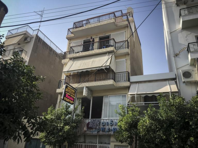 Προθεσμία για να απολογηθούν οι 7 Πακιστανοί που πλάκωσαν στο ξύλο τον αστυνομικό στη Νίκαια | Newsit.gr