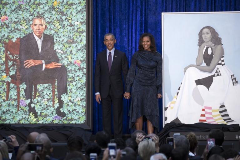Οι Ομπάμα τους έκαναν να τρέχουν στην Εθνική Πινακοθήκη   Newsit.gr