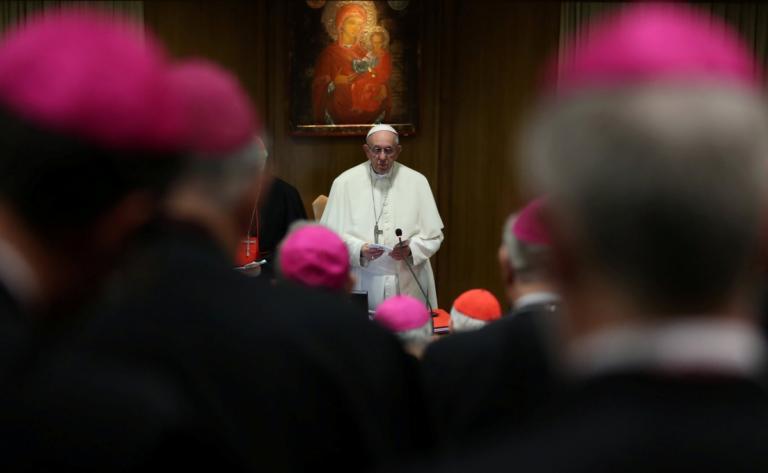 Ο Ιατρικός Σύλλογος «αφόρισε» τον Πάπα – Έξαλλοι για τη σύγκριση της άμβλωσης με πληρωμένο δολοφόνο | Newsit.gr
