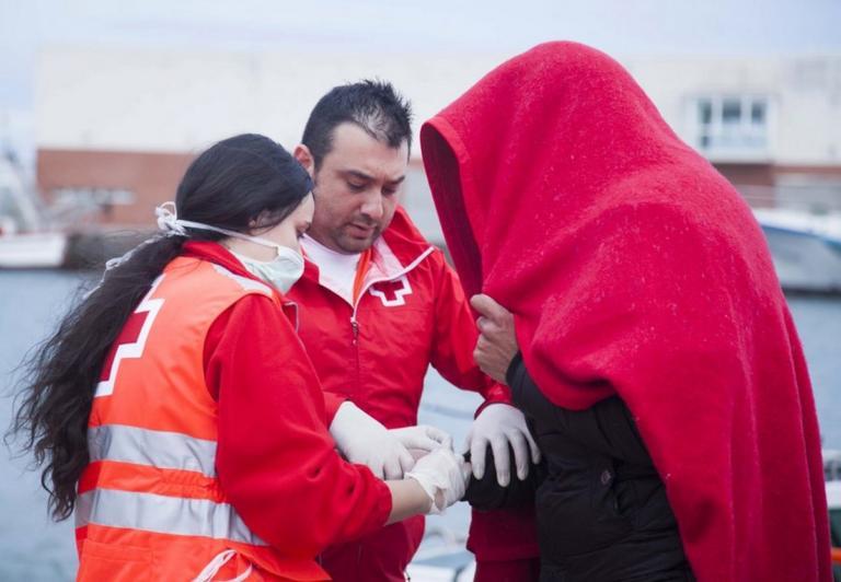 Διάσωση 700 μεταναστών σε 48 ώρες από την ισπανική ακτοφυλακή | Newsit.gr