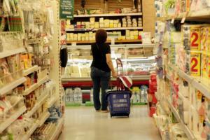 Δεν βγαίνουν τα κουκιά – Η κρίση άλλαξε και τη διατροφή των Ελλήνων