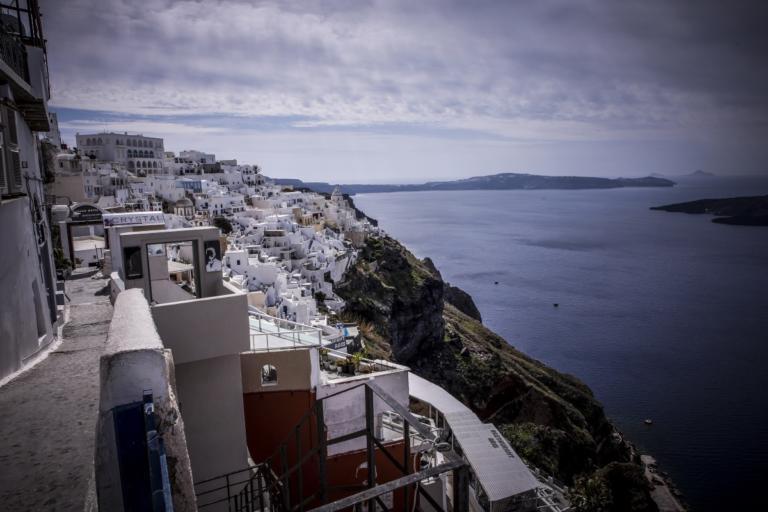 Σούπερ Σαντορίνη! Στην κορυφή της προτίμησης των Ευρωπαίων τουριστών! [pics] | Newsit.gr