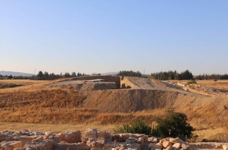 Τύμβος Λαόνας: Ξεγέλασαν τους τυμβωρύχους! Παραπλανητικό το σπουδαίο μνημείο του 3 αιώνα π.Χ. στην Κύπρο | Newsit.gr