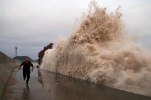 Τρέμουν τον κυκλώνα Μάικλ στις ΗΠΑ! Εκκένωση και στο βάθος θεομηνία – Ριπές ανέμου 130 χιλιομέτρων ανά ώρα