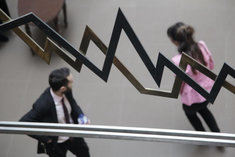 Handelsblatt: Κίνδυνος τραπεζικής κρίσης σε Ελλάδα και Ιταλία | Newsit.gr