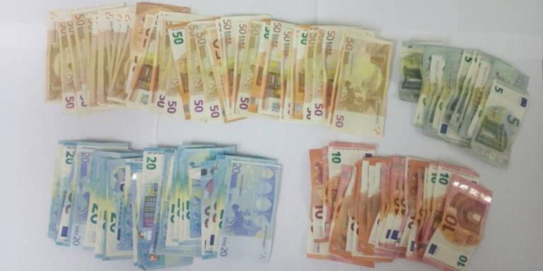Μάνα και γιος σκόρπαγαν δεξιά κι αριστερά πλαστά χαρτονομίσματα! | Newsit.gr