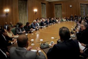 """Απανωτά """"χτυπήματα"""" της ελληνικής κυβέρνησης μετά την ψηφοφορία στα Σκόπια"""