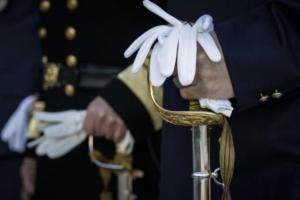Οι απόστρατοι αξιωματικοί των Ενόπλων Δυνάμεων στέλνουν εξώδικο στον Τσακαλώτο