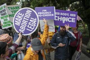 Αυστραλία: Νόμιμες οι αμβλώσεις στο Κουίνσλαντ – Ο πολυετής αγώνας και ο νόμος του 1899