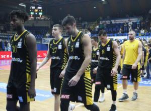 Ήττα-σοκ για την ΑΕΚ στο Περιστέρι! Πρώτη «βόμβα» στη Basket League