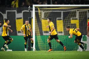 ΑΕΚ – Μπενφίκα 2-3 ΤΕΛΙΚΟ: Ήττα σε «τρελό» ματς για την Ένωση!