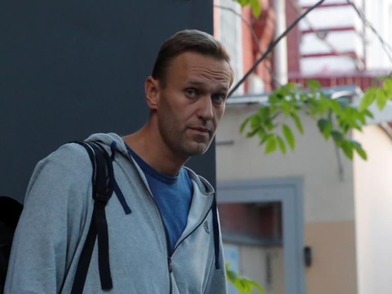 Ελεύθερος ο Ναβάλνι να ταξιδέψει στο εξωτερικό! [pics]