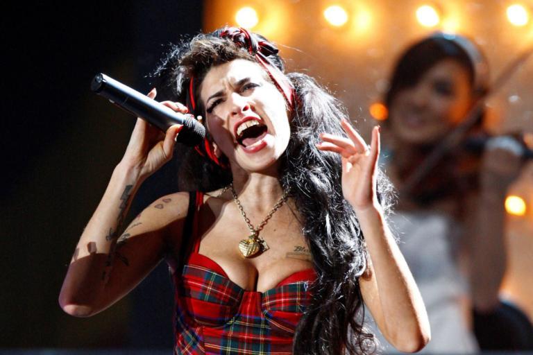 Η Amy Winehouse «επιστρέφει» στην σκηνή ως… ολόγραμμα! | Newsit.gr