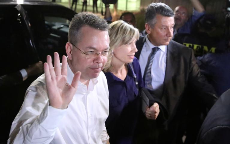Μπράνσον: Δικαστικό σίριαλ μετά την απελευθέρωση του αμερικανού πάστορα! | Newsit.gr