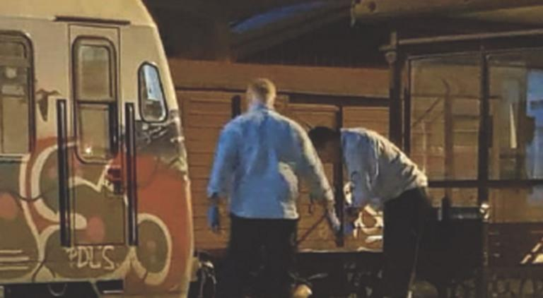 Βόλος: Κατέρρευσε στην αποβάθρα του σιδηροδρομικού σταθμού – Ο καυγάς που προηγήθηκε με επιβάτη [pics] | Newsit.gr