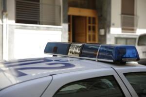 Αγρίνιο: Νταής χτύπησε σύζυγο και παιδί – Απείλησε με μαχαίρι τη μητέρα του!