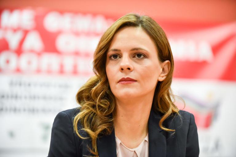 Αχτσιόγλου: Κάτω από τις 900.000 οι άνεργοι | Newsit.gr