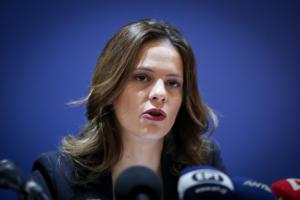 Αχτσιόγλου: Σκοπός η ακύρωση του μέτρου για τις συντάξεις, όχι η αναβολή του!