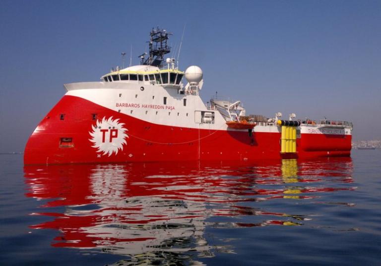 Μια ανάσα από τα οικόπεδα 4 και 5 της Κύπρου το τουρκικό πλοίο Barbaros – Τραβάει το σχοινί η Άγκυρα | Newsit.gr
