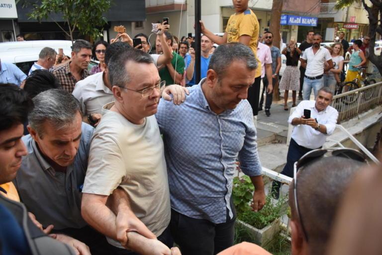 Τουρκία: Ελεύθερος ο πάστορας Μπράνσον | Newsit.gr