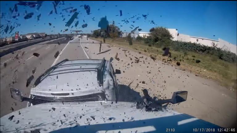 Σπασμένο «χταπόδι» έγινε αιτία φοβερής καραμπόλας! [vid] | Newsit.gr