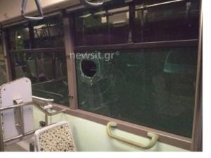Αδίστακτοι! Νέες επιθέσεις σε λεωφορείο στη Συγγρού και σε τρένο στα Πετράλωνα