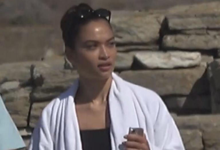 Δήλος: Εικόνες ντροπής πίσω από την… σύζυγο του κροίσου – Το αθάνατο ελληνικό δημόσιο είναι πάντα εδώ – video | Newsit.gr