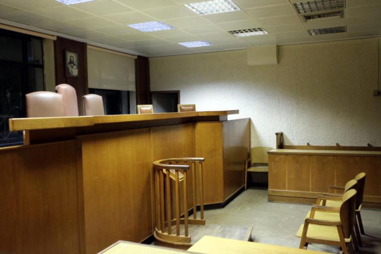 Οκτώ χρόνια κάθειρξη σε οπαδό του ΠΑΟΚ για κατασκευή και κατοχή μολότοφ | Newsit.gr