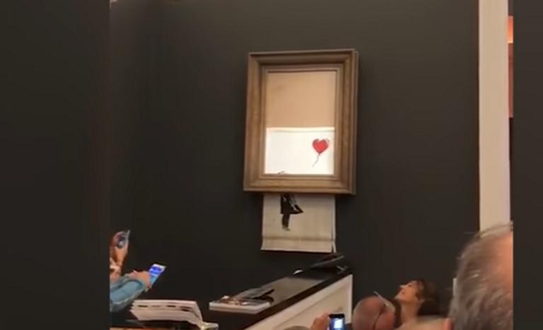 Χαμός σε δημοπρασία του οίκου Sotheby's! Πασίγνωστο έργο του Banksy αυτοκαταστράφηκε, μόλις πουλήθηκε – Video | Newsit.gr