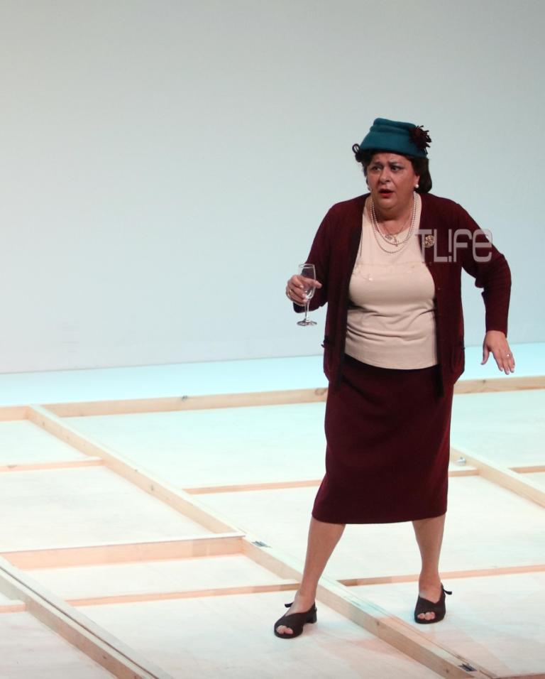 Eλισάβετ Κωνσταντινίδου: Ο πρώην συζυγός της και η κόρη της στην πρεμιέρα της! [pics] | Newsit.gr