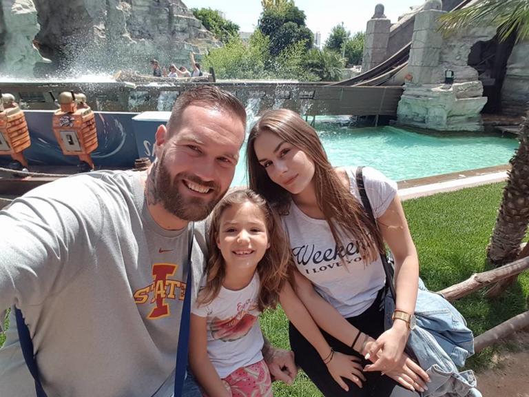 «Σπάει καρδιές» η κόρη του Ευαγγελίτση! Το συγκλονιστικό μήνυμα στο νεκρό πατέρα της [pic] | Newsit.gr