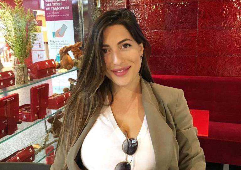 Φλορίντα Πετρουτσέλι: Απολαμβάνει τις βόλτες με την κόρη της! [pic]   Newsit.gr