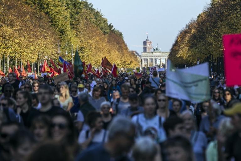 Όλη η Γαλλία στους δρόμους για την κλιματική αλλαγή! | Newsit.gr